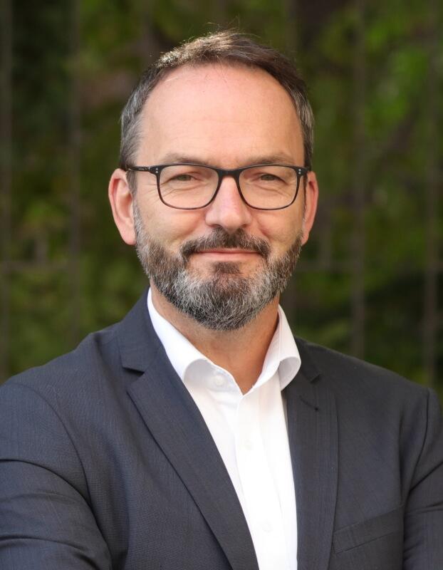 Portrait Dr. Claus Pommer